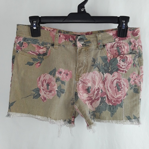 Forever 21 Pants - F21 Flower Rose Print Frayed Short Shorts